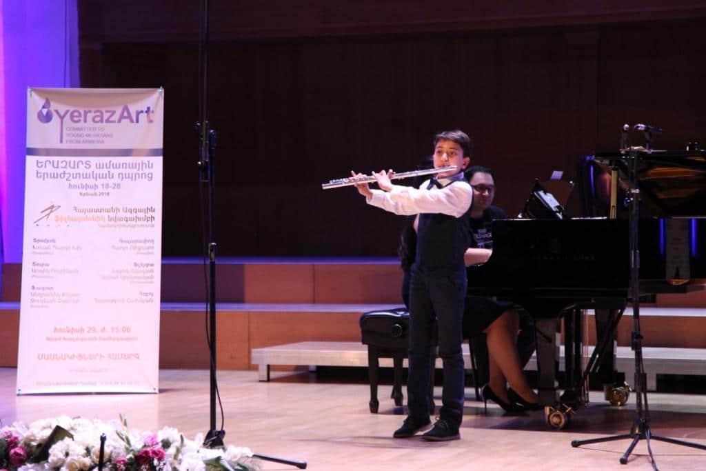 2_Avetis_Eskenian_flute