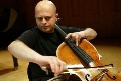 Chaushian Alexander, cello (UK)