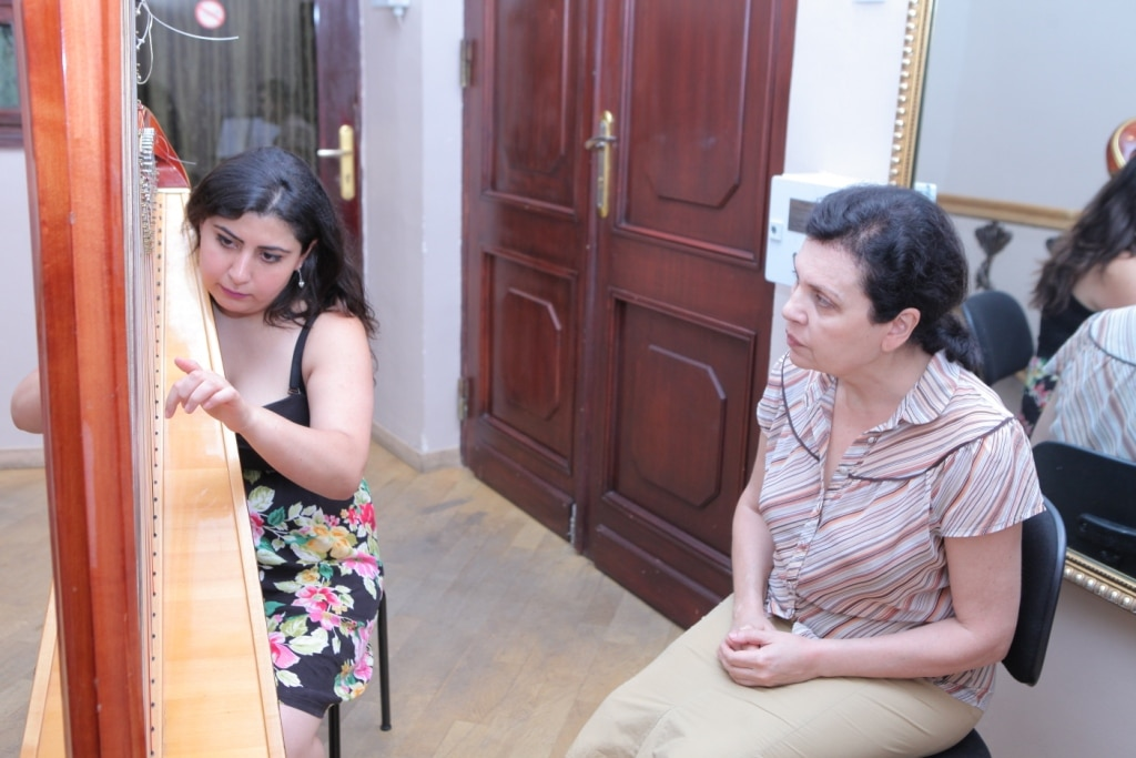 Aida_Muradyan_and_Zhanna_Hovhannisyan_day9