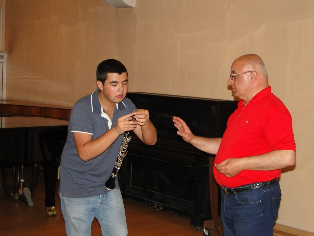 Hayk Hakobyan with principal clarinetist Vyacheslav Manucharyan day 4