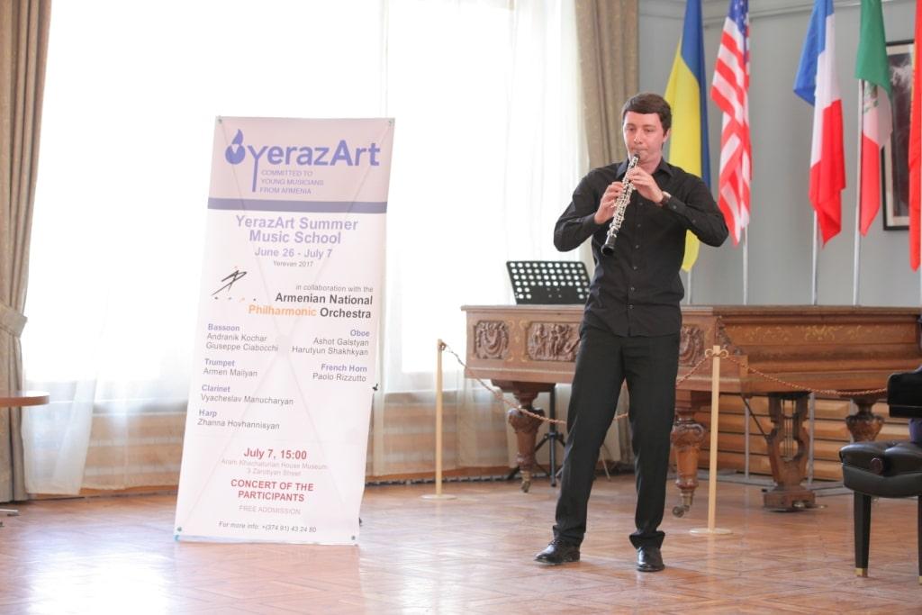 Robert_Abramyan_oboe_Concert_day
