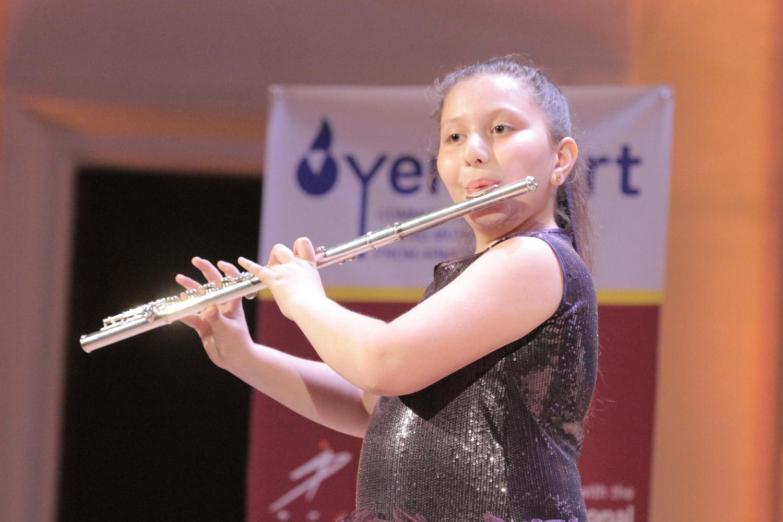 2. Nane Vardanian, flute